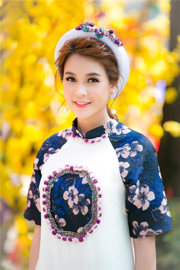 Xuân Đinh Dậu 2017, Sam sẽ phủ sóng truyền hình HTV với hai bộ phim được nhiều khán giả mọi lứa tuổi yêu thích là Cô Thắm về làng phần 2và sitcomGia đình là số 1. Bên cạnh đó, qua Tết, cô còn xuất hiện trong bộ phim điện ảnh Linh Duyên.