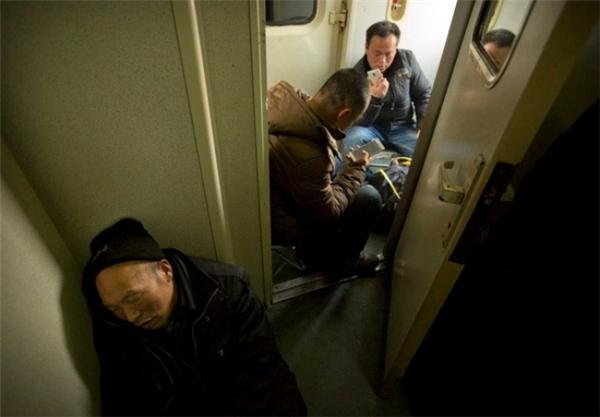 Người ta sẵn sàng ngủ ở bất cứ nơi đâu, miễn là được về nhà.