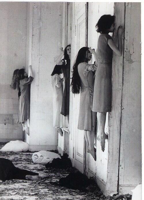 Một bức ảnh được cho là chụp trong một viện tâm thần ở Nga vào năm 1957.