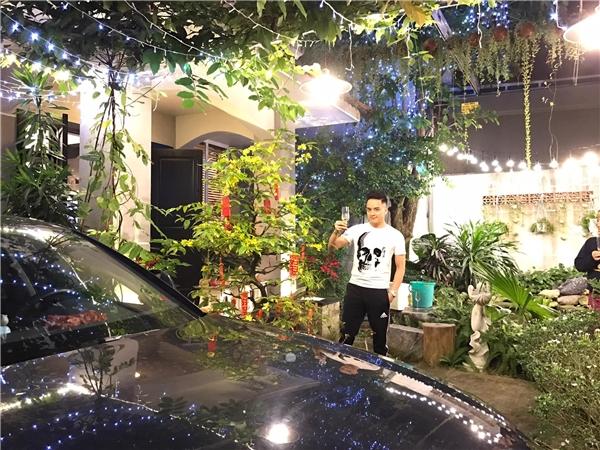 Sân vườn nhà củaCao Thái Sơn, mai nở đầy lối đi. - Tin sao Viet - Tin tuc sao Viet - Scandal sao Viet - Tin tuc cua Sao - Tin cua Sao