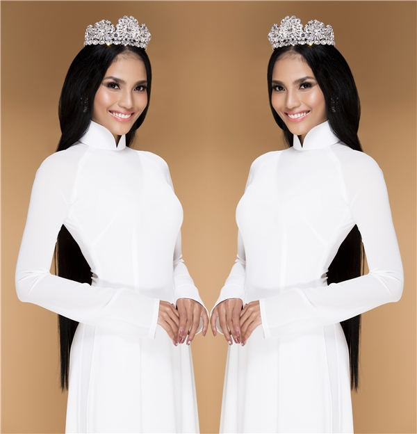 Trương Thị May diện áo dài trắng tinh khôi ngày đầu năm