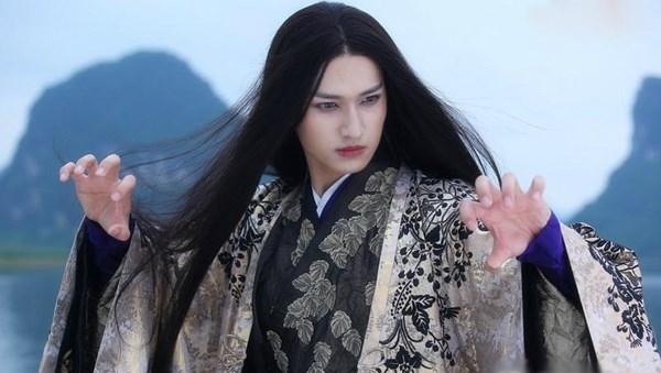 Sát Thiên Mạch làma quân đứng đầu ma giới với dung mạo được xem là đẹp nhất trong lục giới.