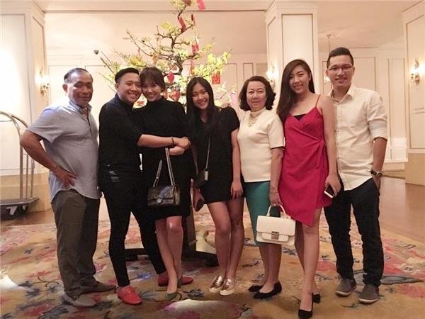 Hari Won đi ăn Tết cùng ông xã và gia đình chồng. - Tin sao Viet - Tin tuc sao Viet - Scandal sao Viet - Tin tuc cua Sao - Tin cua Sao