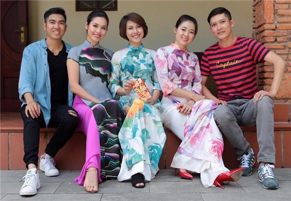 Sau một năm vất vả, sao Việt bình yên bên gia đình ngày đầu Xuân - Tin sao Viet - Tin tuc sao Viet - Scandal sao Viet - Tin tuc cua Sao - Tin cua Sao