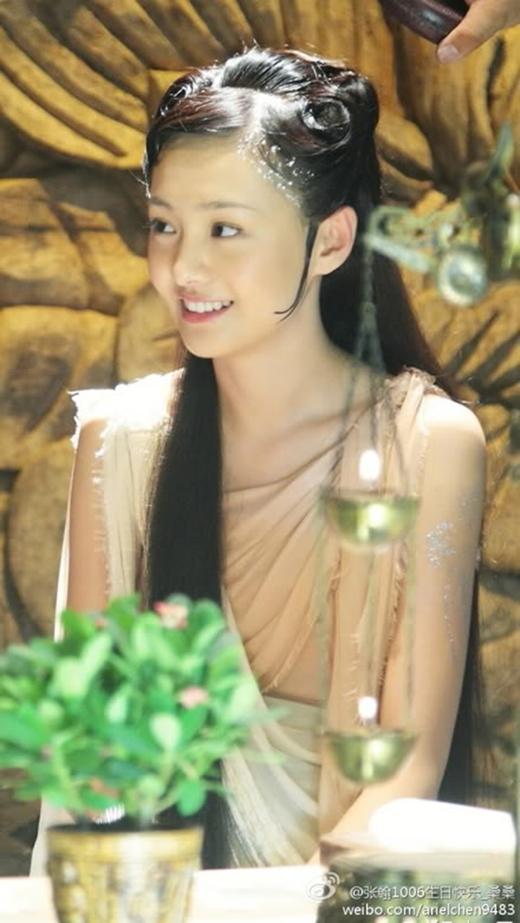 Hoạ Bích từng nhiều khán giả không thể rời mắt trước nụ cười trong sáng, thánh thiện của nàng Mẫu Đơn do Trịnh Sảng sắm vai.