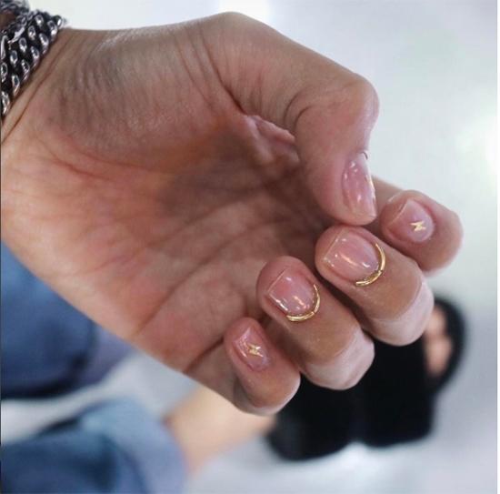 Một số kiểu nail bằng dây kim loại.