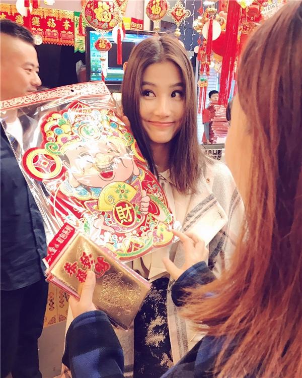 Trước khi khởi đầu năm 2017 tràn đầy năng lượng, nữ diễn viên cũng tự thưởng cho mình một chuyến du lịch sang Đài Loan. - Tin sao Viet - Tin tuc sao Viet - Scandal sao Viet - Tin tuc cua Sao - Tin cua Sao