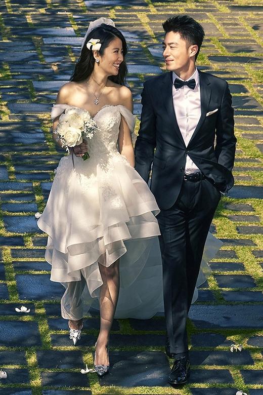 Không chỉ khiến khán giả bất ngờ với tin tức yêu nhau, kết hôn chóng vánh, Hoắc Kiến Hoa và Lâm Tâm Như đều là hai tên tuổi khiến nhiều người nể phục vì sự nghiệp diễn xuất thăng hoa của mình.