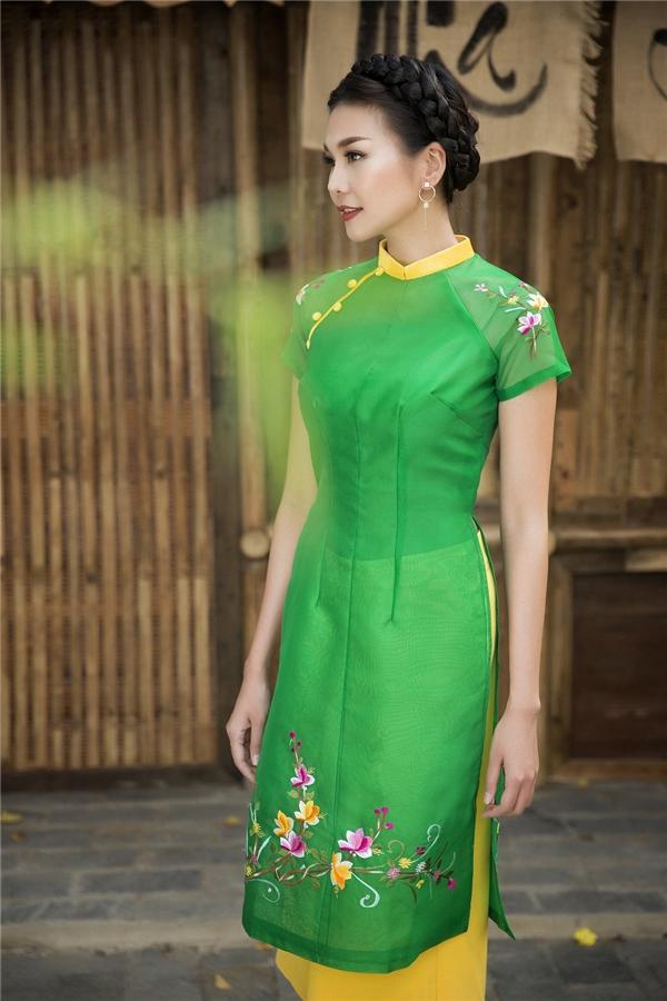 """Sao Việt và cách diện màu xanh rạng ngời nhưng không bị """"chóe"""""""