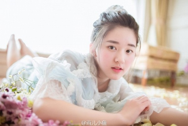 Với đôi mắt to tròn, sống mũi cao thanh tú và nụ cười rạng rỡ, Zhao Lusi được nhiều người dự đoán sẽ là gương mặt nổi bật trên mạng xã hội năm nay.