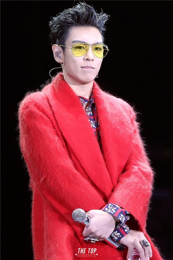 """8 ngày trước nhập ngũ, T.O.P lộ ảnh """"xuống tóc"""" chuẩn bị chia tay fan"""
