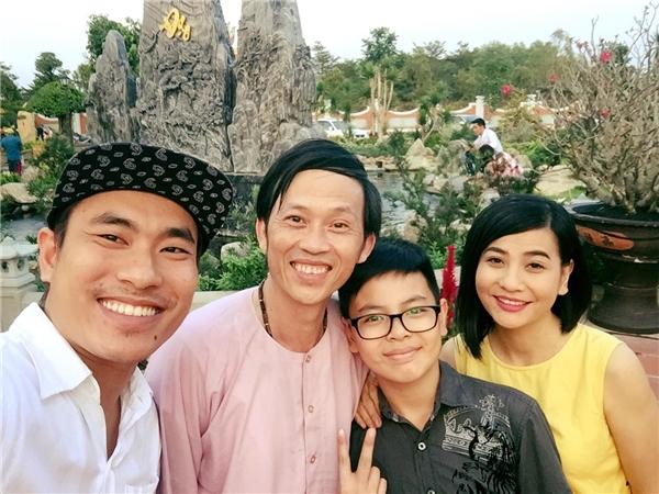 """Cát Phượng và con trai đi cùng """"người yêu tin đồn"""" là diễn viên Kiều Minh Tuấn. - Tin sao Viet - Tin tuc sao Viet - Scandal sao Viet - Tin tuc cua Sao - Tin cua Sao"""