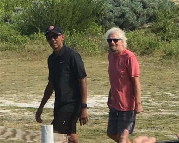 Ông Obama và Branson đã có khoảng thời gian nghỉ ngơi và trò chuyện thoải mái.
