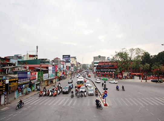 Thời điểm 8 giờ sáng tại phố Chùa Bộc (Đống Đa, Hà Nội) nơi thường xuyên xảy ra ùn tắc thì sáng nay đường khá thông thoáng, giao thông đi lại dễ dàng.