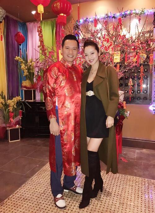 Mặc lùm xùm nợ nần, vợ chồng Jennifer Phạm vẫn vui vẻ đón Tết - Tin sao Viet - Tin tuc sao Viet - Scandal sao Viet - Tin tuc cua Sao - Tin cua Sao