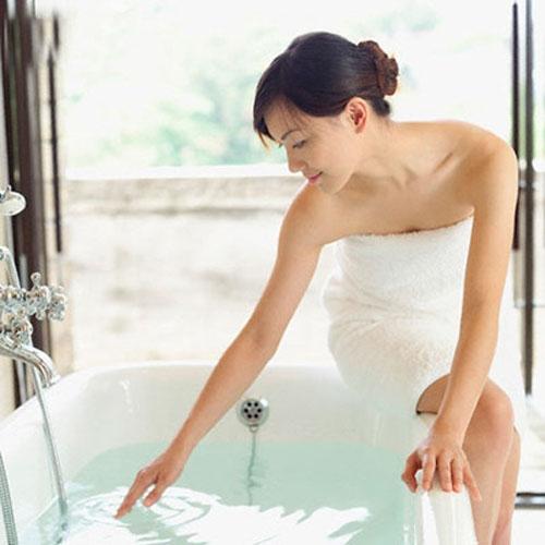 Người chọn nách làm vị trí tắm đầu tiên được nhận xét rất đáng tin cậy và dễ gây chú ý.