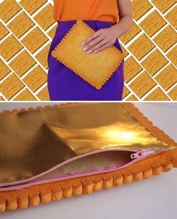 Những chiếc túi được làm từ nhiều loại bọt xốp khác nhau để tạo nên hiệu ứng chân thật. Chúng trông không khác một món ăn thực sự từ màu sắc đến những chi tiết nhỏ nhất.