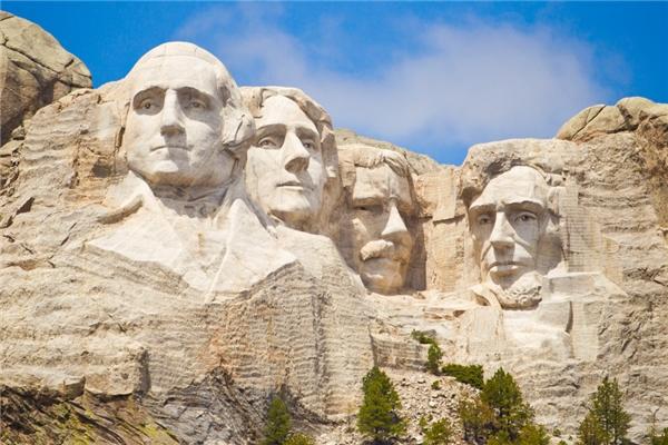 Núi đá Rushmore nổi tiếng của Hoa Kỳ.