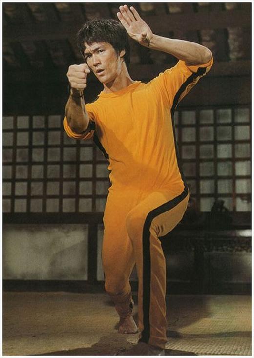 Trang phục huyền thoại màu vàng sọc đen của Lý Tiểu Long trong bộ phim cuối cùng của anh