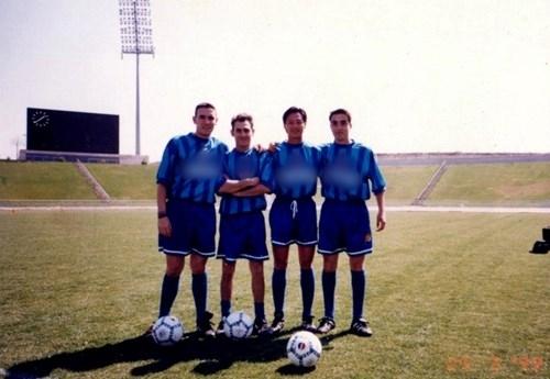 Huỳnh Đức chụp ảnh lưu niệm chung với các cầu thủ nổi tiếng khác.