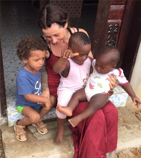 Nhờ những người như Loven mà những đứa trẻ bất hạnh ấy có được cơ hội sống cuộc đời của mình.