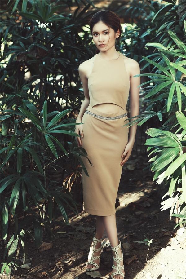 """Á hậu Thùy Dung """"lột xác"""" với phong cách thời thượng"""