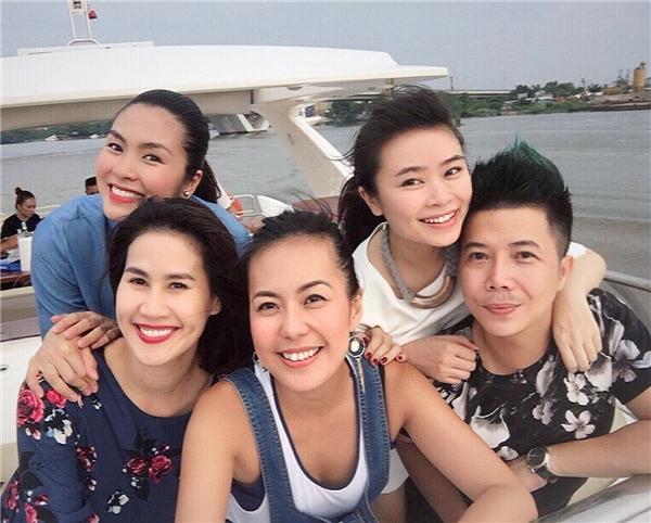 Trước ngày sinh, Tăng Thanh Hà đi du xuân cùng chồng và bạn bè - Tin sao Viet - Tin tuc sao Viet - Scandal sao Viet - Tin tuc cua Sao - Tin cua Sao