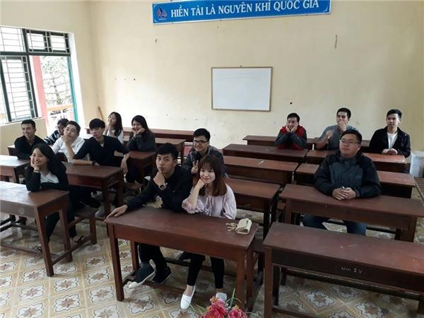 Đây là hiện trạng của nhóm bạn học trường THPTchuyên Lê Quý Đôn - Đã Nẵng ngày họp lớp. (Ảnh: Cẩm Tú)