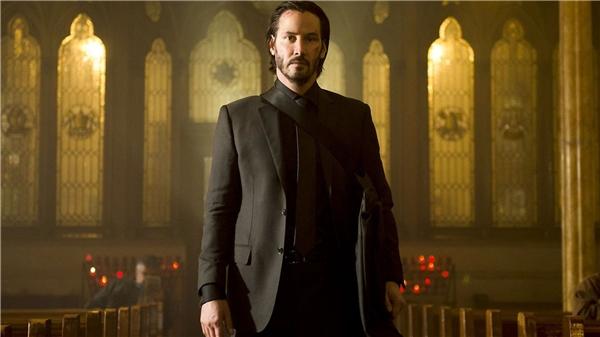 Trọng tâm phim lần này vẫn theo chân sát thủ máu lạnh John Wick do Keanu Reeves thể hiện.