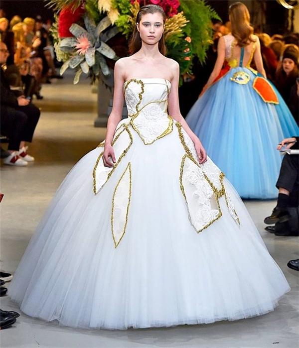 Choáng ngợp với những chiếc váy cưới đẹp như trong thần thoại