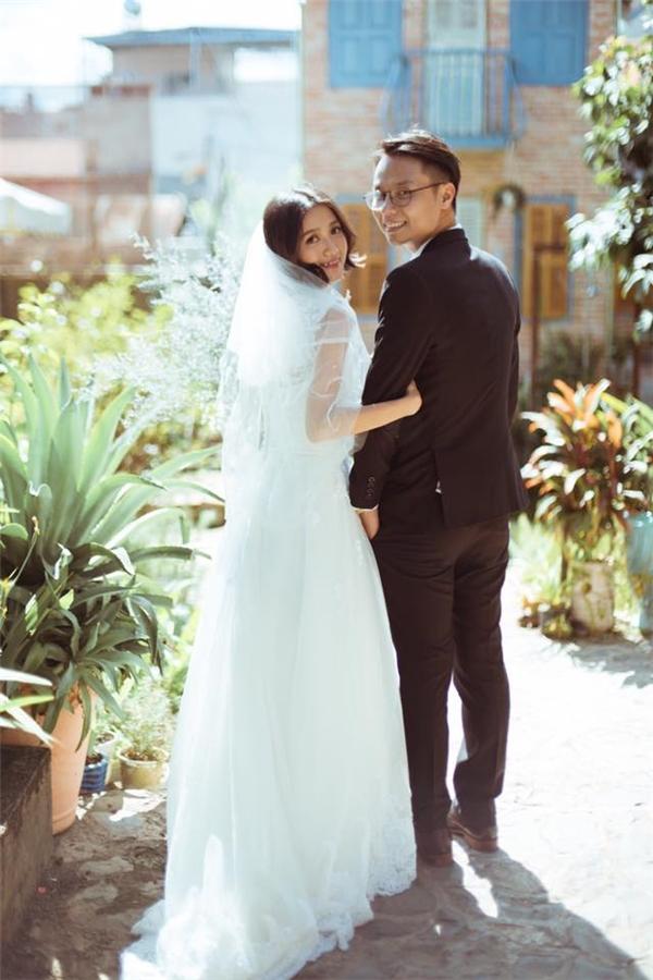 Chúc cặp đôi đáng yêucó một cuộc sống hôn nhân đầy viên mãn nhé!