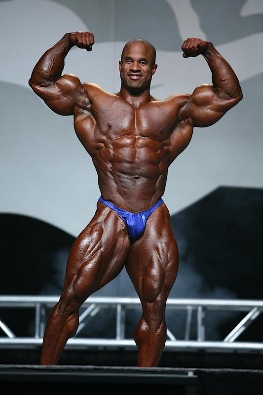 Martinez có thứ hạng không được cao tại Mr. Olympia và chỉ có một lần duy nhất anh giành hạng nhì là vào năm 2009.