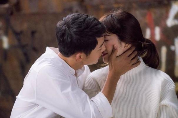 """Đây là 4 bước để có nụ hôn """"khó quên"""" với các nàng"""