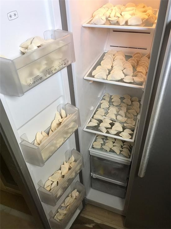 Điều cảm động ít biết đằng sau trào lưu đăng ảnh tủ lạnh kín đồ ăn
