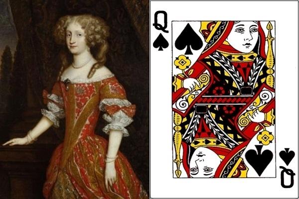 Quân Q bích là nữ hoàng Eleanor.