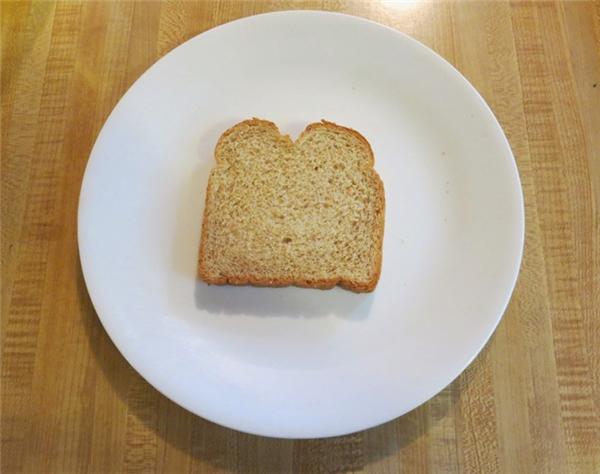 Hồng Kông: 1 miếng bánh mỳ trắng