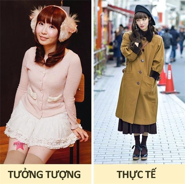 Nhật Bản: Đúng là các cô gái Nhật Bản thích ăn mặc theo kiểu hoạt hình và truyện tranh, với váy ngắn, vớ dài và tất cao, nhưng đó chỉ là phong cách của một bộ phận rất nhỏ trong giới trẻ. Nhìn chung, phụ nữ Nhật thích mặc những loại trang phục duyên dáng và trang nhã, đôi khi hơi độc đáo và cá tính dù vẫn kết hợp giữa váy ngắn và vớ dài.