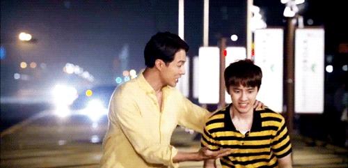 D.O. và tiền bối Jo In Sung đã có những màn kết hợp khá ăn ý trên phim.
