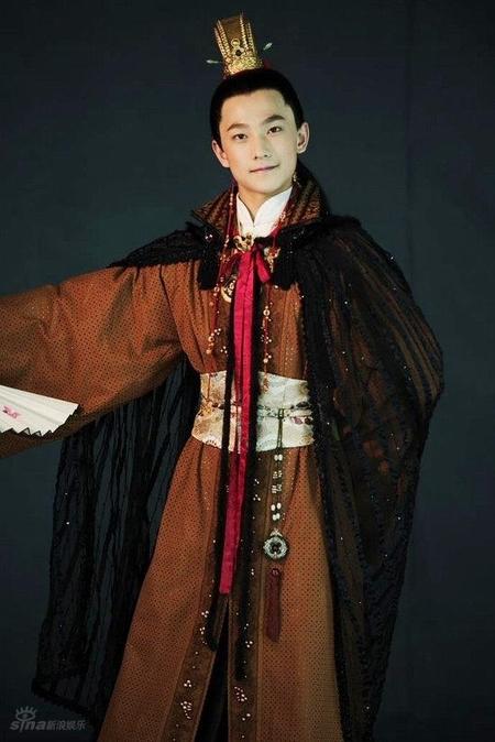 """Giả Bảo Ngọc Dương Dương """"siêu trẻ con"""" trong Tân hồng Lâu Mộng 2010."""