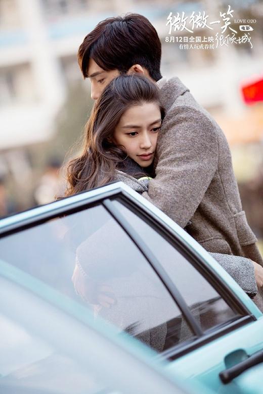 Còn với những vai diễn hiện đại, vợ yêu của Huỳnh giáo chủ vẫn biết cách làm cho khán giả không thể rời mắt khỏi nhan sắc xinh đẹp, toát lên nét quyến rũ của mình.