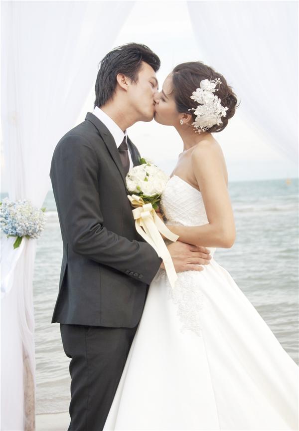 Lộ ảnh cưới lãng mạn của siêu mẫu Minh Tú trên biển - Tin sao Viet - Tin tuc sao Viet - Scandal sao Viet - Tin tuc cua Sao - Tin cua Sao