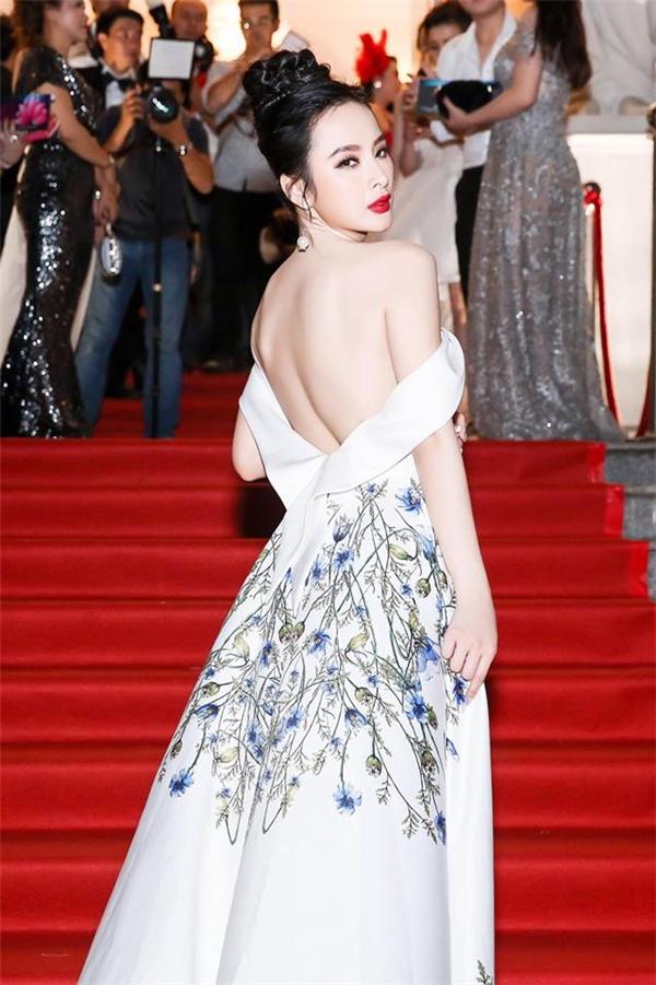 Angela Phương Trinh hiện đang là một trong những ngôi sao trẻ triển vọng tại làng điện ảnh Việt. - Tin sao Viet - Tin tuc sao Viet - Scandal sao Viet - Tin tuc cua Sao - Tin cua Sao