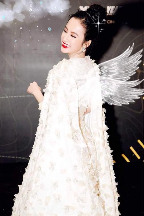 """Bất kì chàng trai nào cũng phải xao xuyến trước """"thiên thần"""" Angela Phương Trinh xinh đẹp, quyến rũ như thế này. - Tin sao Viet - Tin tuc sao Viet - Scandal sao Viet - Tin tuc cua Sao - Tin cua Sao"""