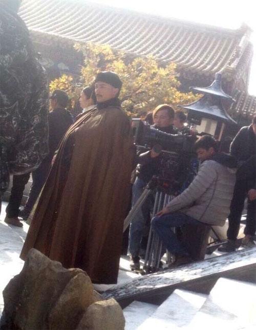 Hoắc Kiến Hoa liên tục quay phim vì vậy không có thời gian ở bên hai mẹ con Lâm Tâm Như.