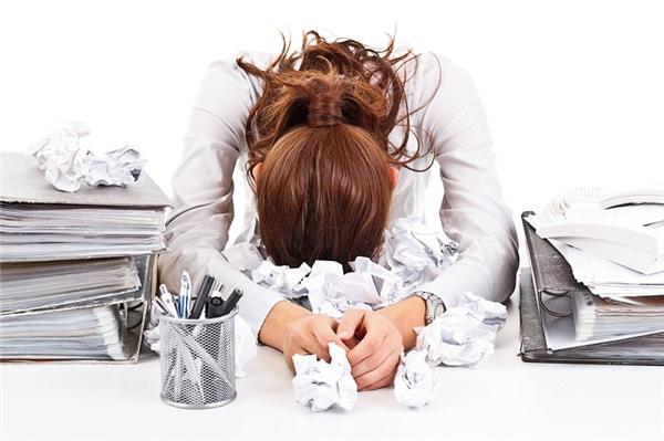 Hoang tưởng là hệ quả khi não bộ phải chịu căng thẳng, áp lực trong thời gian kéo dài. (Ảnh minh họa).
