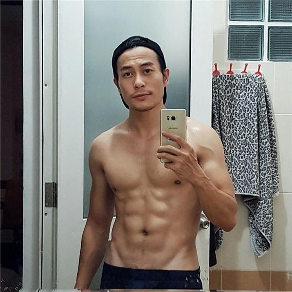 Trương Thanh Long là một trong những NTK có body đẹp nhất. - Tin sao Viet - Tin tuc sao Viet - Scandal sao Viet - Tin tuc cua Sao - Tin cua Sao