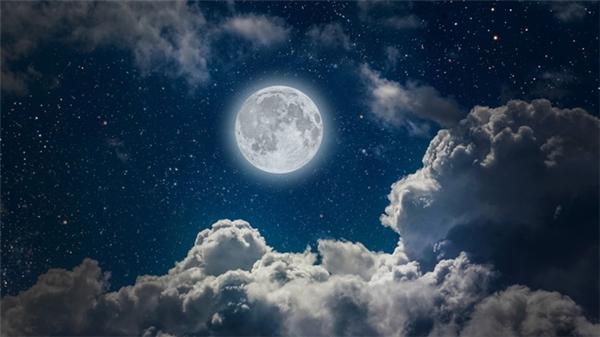 Hiện tượng trăng tuyết.