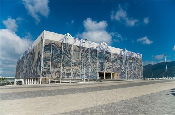 Olympic Aquatics Stadium từng một thời kiêu hãnh.