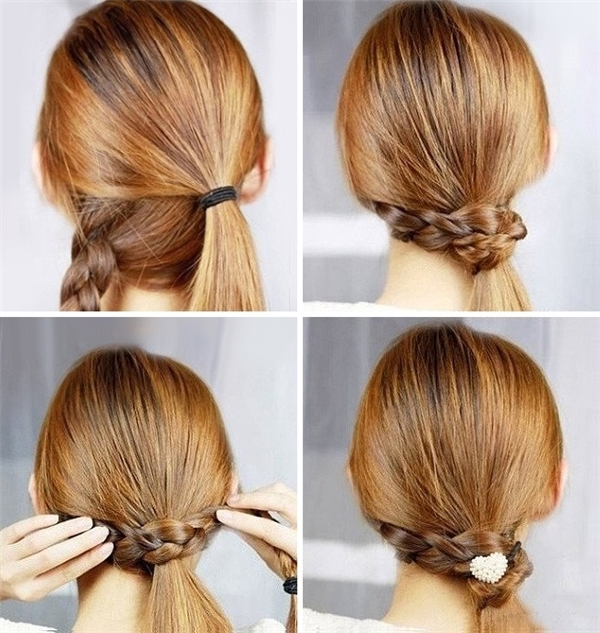 Tóc tết kết hợp với chiếc thun buộc tóc xinh xắn là bạn có mái tóc vô cùng đẹp rồi nhé.