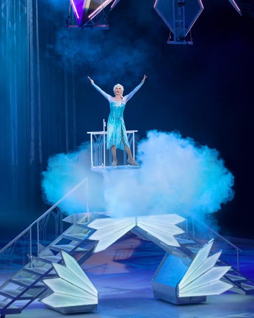 Công chúa Elsa chắc chắn sẽ là nhân vật được yêu thích nhất của đêm diễn.